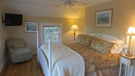 Edgartown Martha's Vineyard vacation rental - 2nd floor bedroom with Flat TV.(king bed)