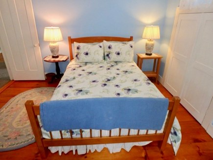 Edgartown Martha's Vineyard vacation rental - Second floor Full bed bedroom with A/C.