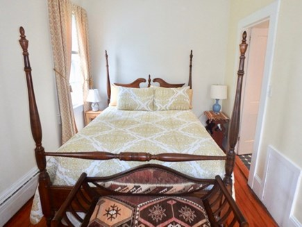 Edgartown Martha's Vineyard vacation rental - Comfortable Queen bed downstairs with private bath