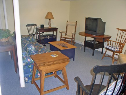 Harthaven Oak Bluffs Martha's Vineyard vacation rental - Lower level TV/office den w/ queen pullout sofa
