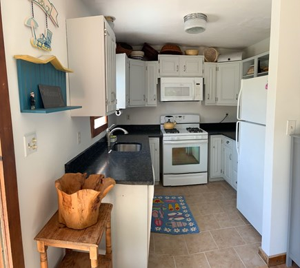 Oak Bluffs Martha's Vineyard vacation rental - Kitchen—Microwave, Stove range, Dish washer, Refrigerator