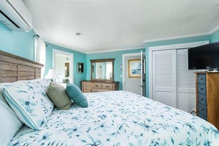 Chappaquiddick, Wasque Point Martha's Vineyard vacation rental - First floor master bedroom