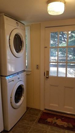 Edgartown Martha's Vineyard vacation rental - Washer dryer full size