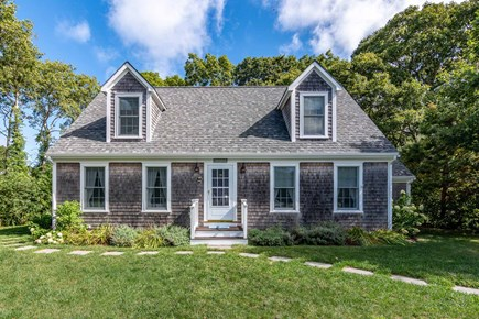 Vineyard Haven Martha's Vineyard vacation rental - Front Approach To House