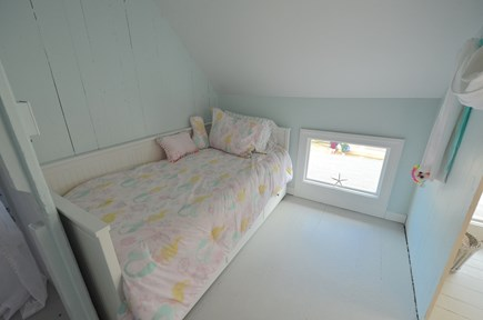 Oak Bluffs Martha's Vineyard vacation rental - Middle bedroom / Daybed opens to queen size bed