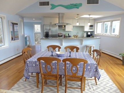 Chilmark Martha's Vineyard vacation rental - Dining and kitchen