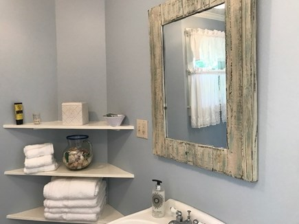 Chilmark Martha's Vineyard vacation rental - Bathroom