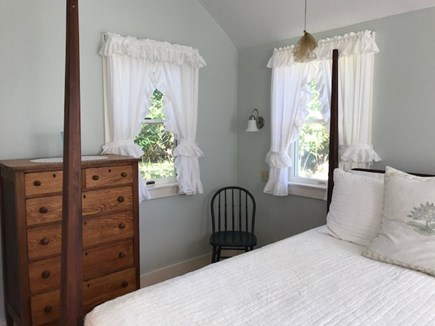 Chilmark Martha's Vineyard vacation rental - Quality linens complete this wonderful bedroom