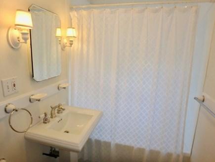 Katama - Edgartown, Edgartown Martha's Vineyard vacation rental - Shared first floor bath newly updated