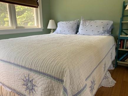 Aquinnah Martha's Vineyard vacation rental - Queen sized bed super quality Saatva mattress