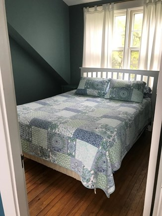 Oak Bluffs, On Farm Pond Martha's Vineyard vacation rental - Queen room, overlooking back and side yard