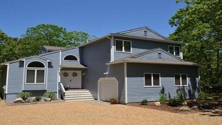 Oak Bluffs Martha's Vineyard vacation rental - Spacious home in Bayes Hill.