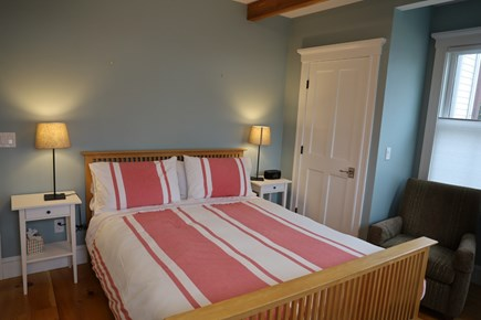 Vineyard Haven, In the heart of the Village of Martha's Vineyard vacation rental - Downstairs bedroom with Queen and full private bathroom.