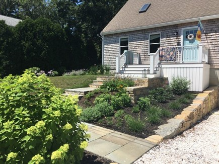 Oak Bluffs Martha's Vineyard vacation rental - Charming Cottage Front View