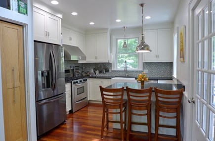 Oak Bluffs Martha's Vineyard vacation rental - Well equipped Kitchen with breakfast bar