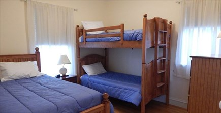 Oak Bluffs Martha's Vineyard vacation rental - First Floor Bedroom with 2 Twins & 1 Full