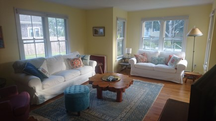 Edgartown, Walking distance to downtown  Martha's Vineyard vacation rental - Comfortable seating. Great for movie watching.