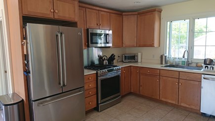 Edgartown, Walking distance to downtown  Martha's Vineyard vacation rental - New appliances in kitchen (replaced in 2017 & 2018)