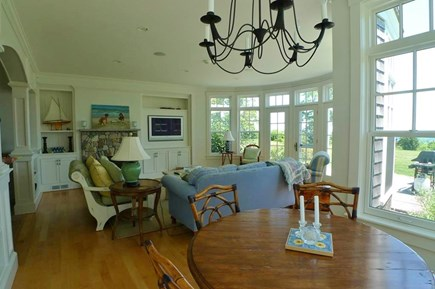 Vineyard Haven, West Chop Martha's Vineyard vacation rental - Sitting area with breakfast nook off the kitchen