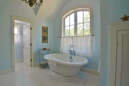 Vineyard Haven, West Chop Martha's Vineyard vacation rental - Master  Ensuite Full Bath Tub & Separate Shower