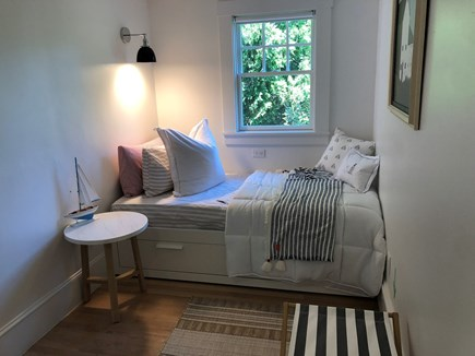 Edgartown Martha's Vineyard vacation rental - Sleeping Nook w/ twin mattress off main living areas