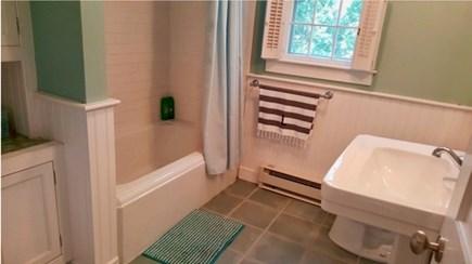 Oak Bluffs, Oak  Martha's Vineyard vacation rental - Clean updated bathroom with full bath and shower