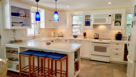 Oak Bluffs, Oak  Martha's Vineyard vacation rental - Brand new updated kitchen with beautiful colorful accents.