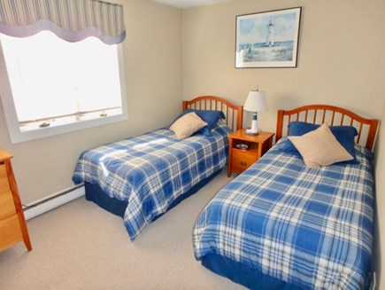 Edgartown Martha's Vineyard vacation rental - Rest easy in these incredibly comfortable twin beds upstairs.