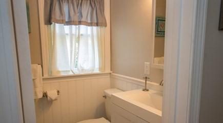 Oak Bluffs, East Chop Martha's Vineyard vacation rental - Downstairs bathroom with full tub