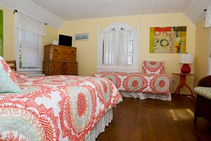 Oak Bluffs Martha's Vineyard vacation rental - Large bedroom with 3 twin beds.
