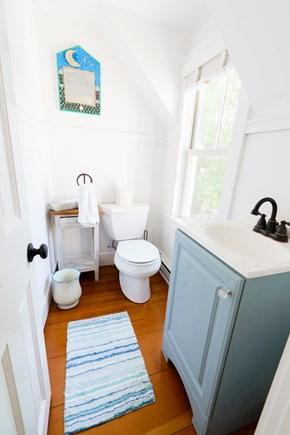 Oak Bluffs Martha's Vineyard vacation rental - Upstairs Powder Room
