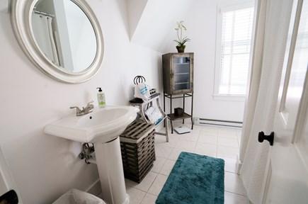Oak Bluffs Martha's Vineyard vacation rental - Upstairs Bath