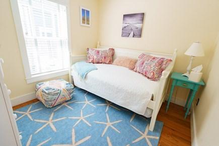 Oak Bluffs Martha's Vineyard vacation rental - Downstairs Twins w/trundle