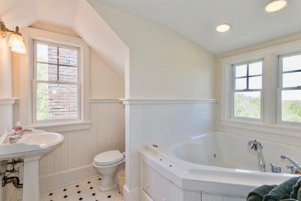 West Tisbury Martha's Vineyard vacation rental - Third floor jacuzzi tub
