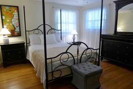 Oak Bluffs Martha's Vineyard vacation rental - 1st Floor Queen Bedroom