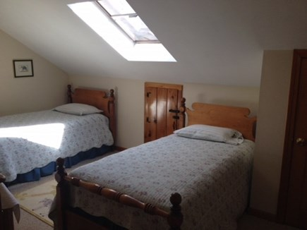 Oak Bluffs Martha's Vineyard vacation rental - Upstairs Bedroom with 3 Twins