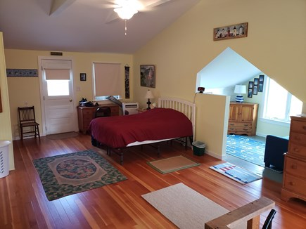 Edgartown, Sengekontacket Pond Waterfront Martha's Vineyard vacation rental - Upper Level Queen Bed