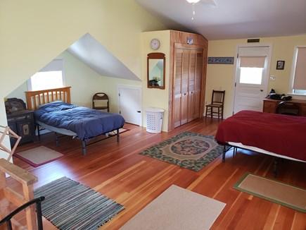 Edgartown, Sengekontacket Pond Waterfront Martha's Vineyard vacation rental - Upper Level Twin Bed