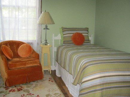 Oak Bluffs Martha's Vineyard vacation rental - Sea Green ground floor twin bedded room