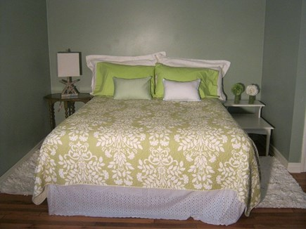 Oak Bluffs Martha's Vineyard vacation rental - Garden Green room with large queen bedded room on the 2nd floor