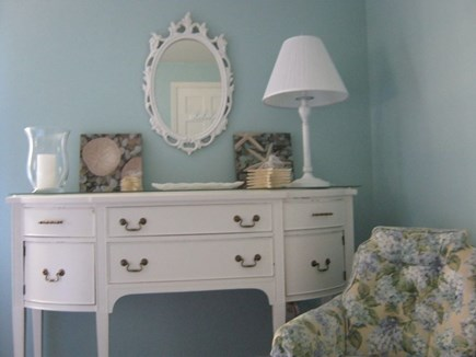 Oak Bluffs Martha's Vineyard vacation rental - Sky Blue king bedroom dresser