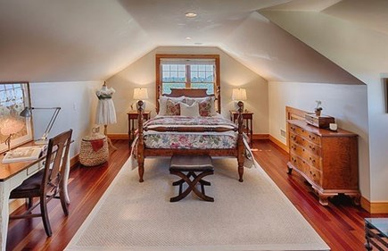 Chilmark Martha's Vineyard vacation rental - Queen bedroom and sitting area with television