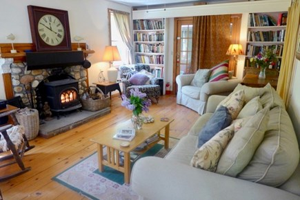 Oak Bluffs Martha's Vineyard vacation rental - Charming cottage with a cozy comfortable interior decor