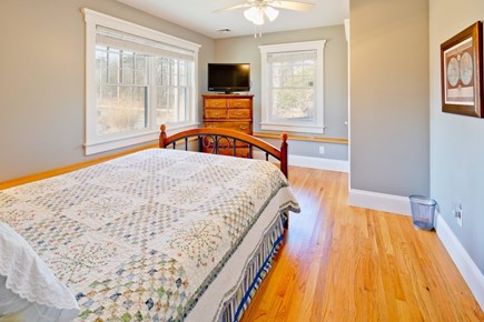 Vineyard Haven Martha's Vineyard vacation rental - Queen bedroom #1