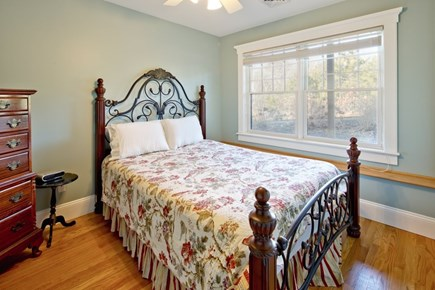 Vineyard Haven Martha's Vineyard vacation rental - Queen room #2