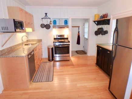 Oak Bluffs Martha's Vineyard vacation rental - Beautiful appliances, bamboo floors and a great kitchen