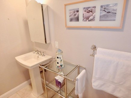 Oak Bluffs Martha's Vineyard vacation rental - En suite, First Floor