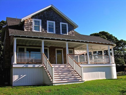 Oak Bluffs, East Chop Martha's Vineyard vacation rental - Front of house facing East Chop
