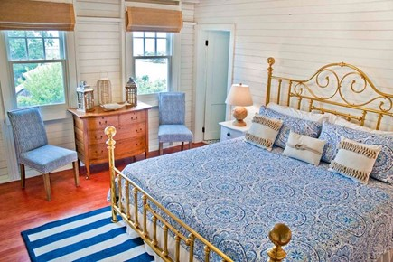 Oak Bluffs, East Chop Martha's Vineyard vacation rental - 2nd FL Master King en-suite