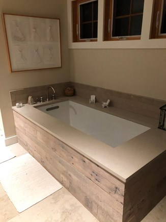 Chilmark Martha's Vineyard vacation rental - Master Bathtub